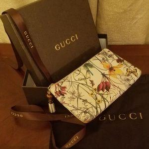 0f547d15122 Gucci Calfskin Infinity Flora Print Small Pouch
